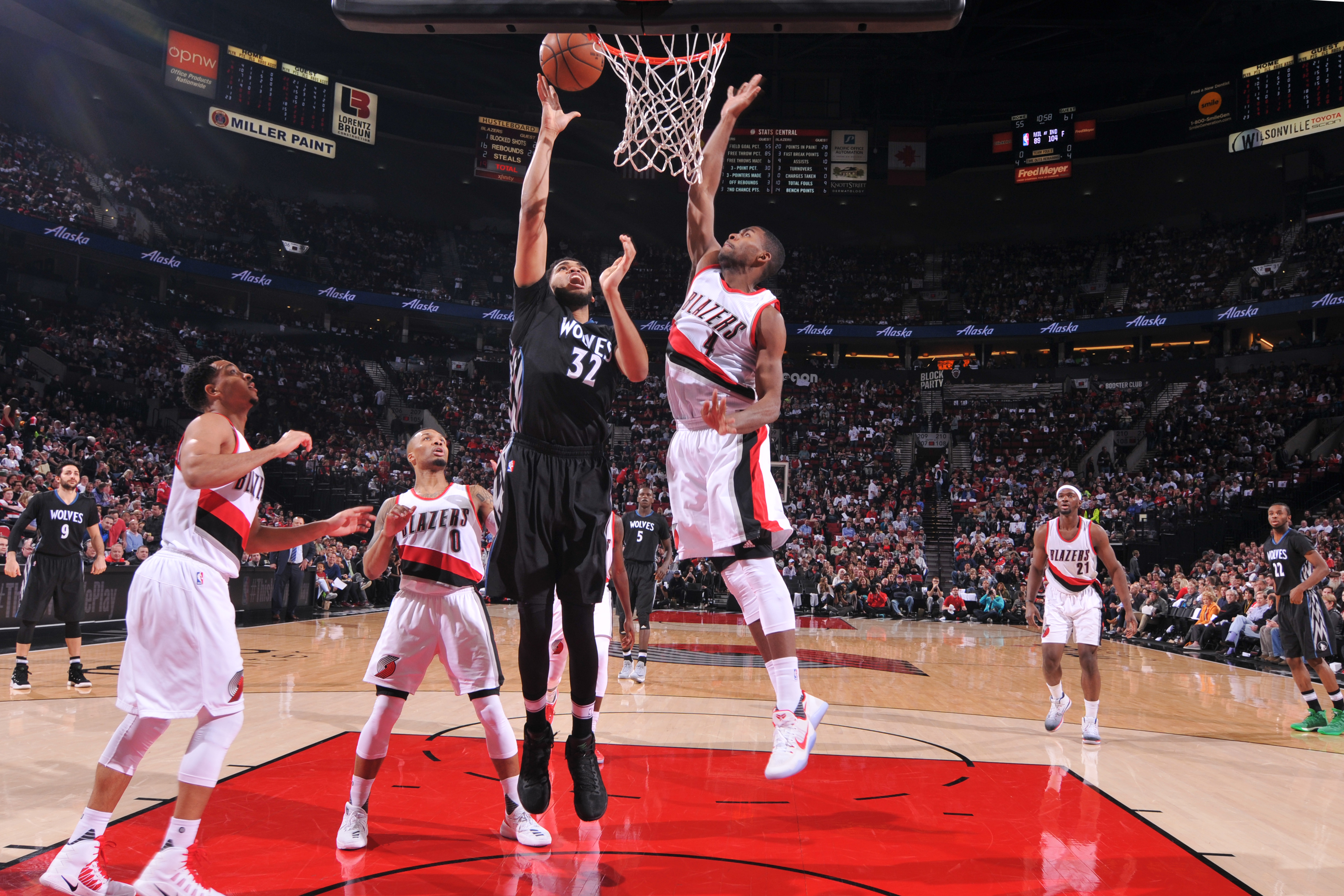 Wolves grind out one-point win over Blazers to close out homestand